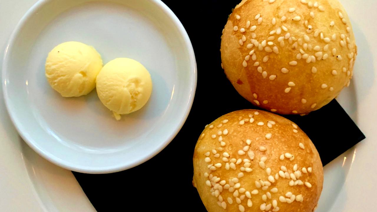 Comment faire du pain maison pour des hamburgers ou d'autres plats ?