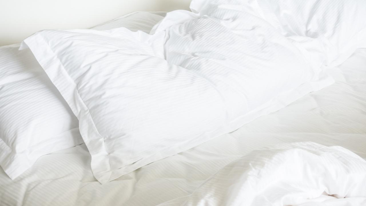oreiller utilisé et non pelucheux